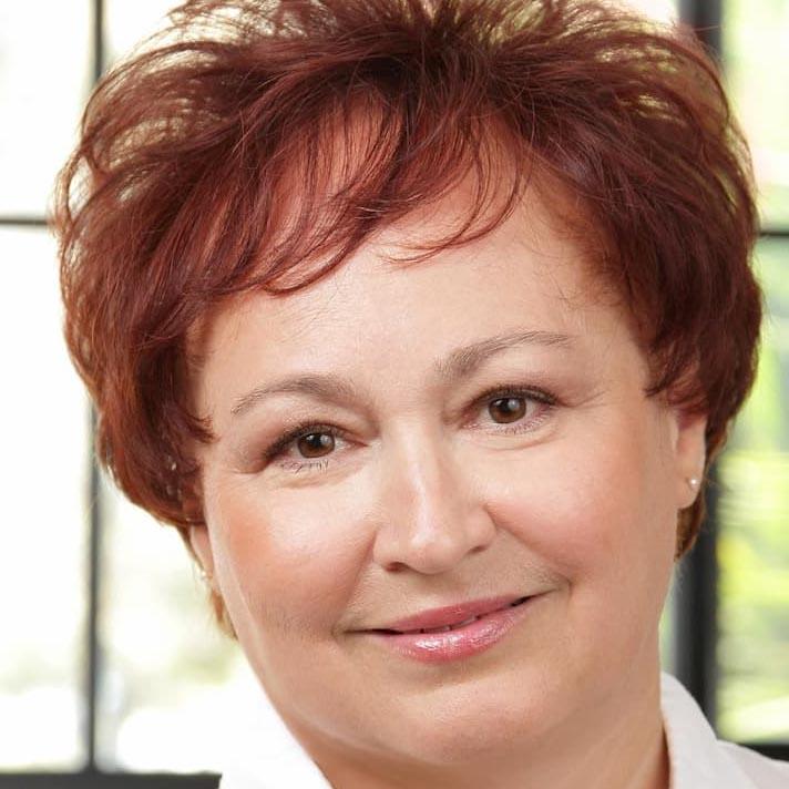Dr Irina Astrakhantseva