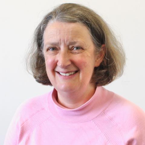 Dr Elizabeth McCarthy