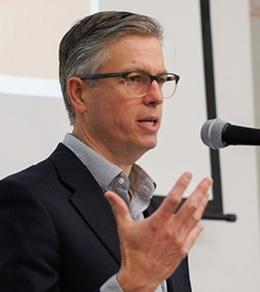 Dr Christopher Evans